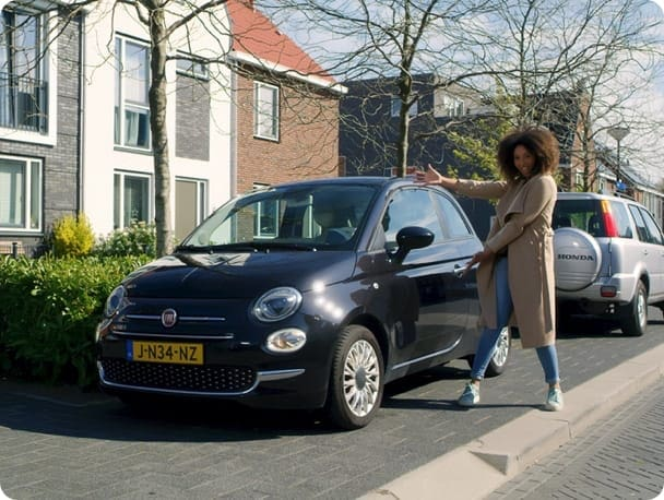 Muriel toont haar SnappCar Private Lease auto